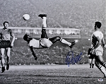 Pele Autographed Brazil Bicycle Kick 16x20 Photo