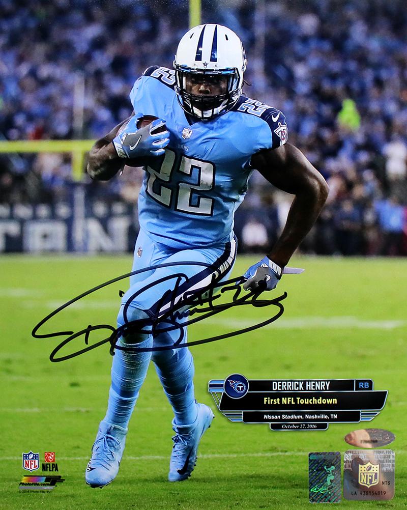 on sale 714a8 0dc26 Barry Sanders Autographed Detroit Lions Mini Helmet + 4 Autographed 8x10  Photos