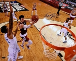 Frank Kaminsky Autographed Wisconsin Badgers Final Four Layup 16x20 Photo