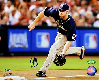 Kevin Kousmanoff Autographed San Diego Padres Throwing 8x10 Photo