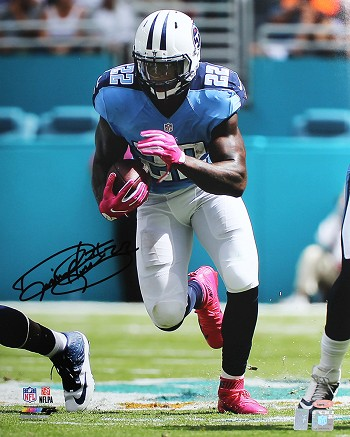 Derrick Henry Autographed Tennessee Titans 16x20 Photo