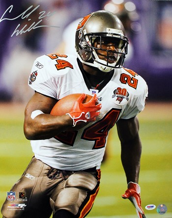 Cadillac Williams Autographed Buccaneers Close Up Running 16x20 Photo